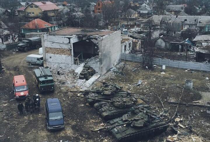 """В Донецке террористы """"отвели"""" тяжелую технику во дворы жилых кварталов: фотофакт"""