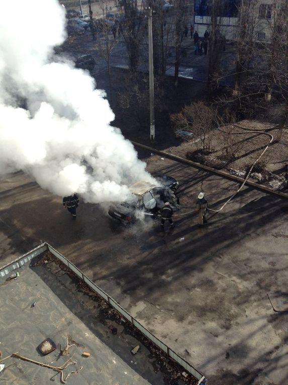 В Харькове около общежития взорвалась еще одна машина: опубликованы фото