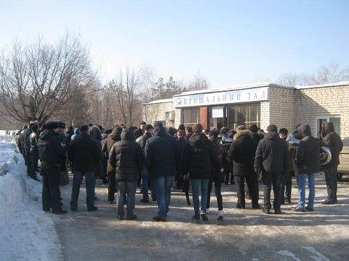 В России без лишнего шума в закрытых гробах хоронили десантников, атаковавших Дебальцево