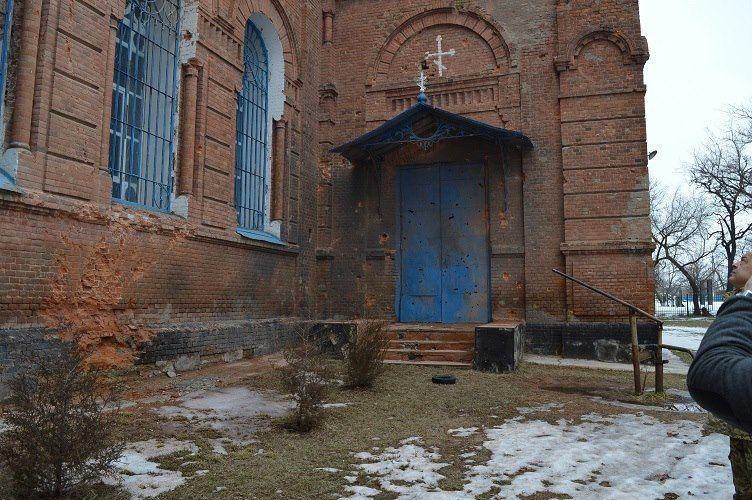 За время АТО в Луганской области повреждены восемь церквей. Фотофакт