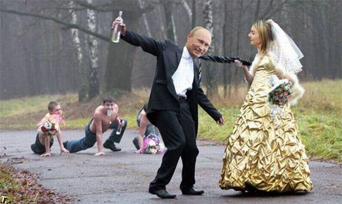 Опубликован тайный свадебный фотоальбом Путина и Кабаевой