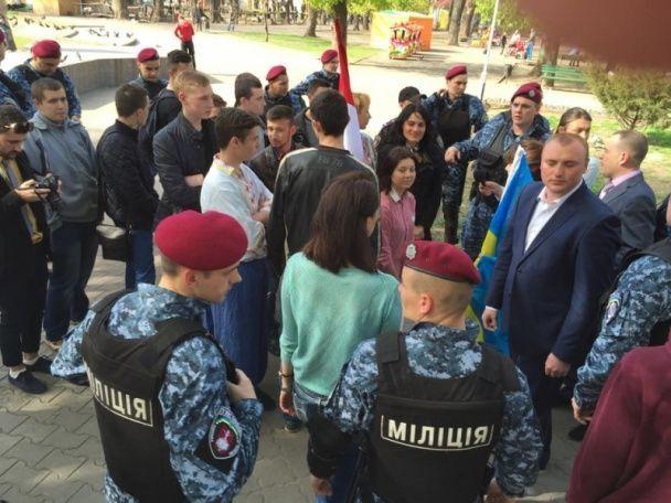 """В Одесі затримали 30 """"культурних сепаратистів"""" """"Народної ради Бессарабії"""""""