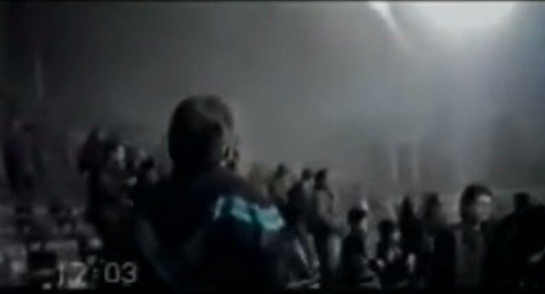 """Первые минуты на стадионе после взрыва. Кадр из фильма Владимира Арьева """"Донецкая мафия"""""""