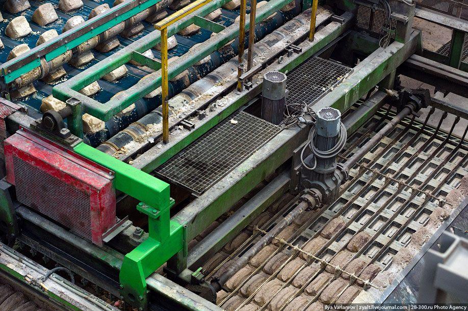 ручное производство кирпича