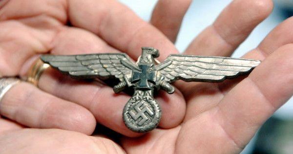 Рыбаки нашли останки офицера СС в животе столетнего сома