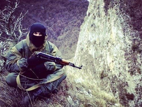 """Як росіян перевдягають у """"шахтарів"""" перед відправкою на Донбас: фоторепортаж"""