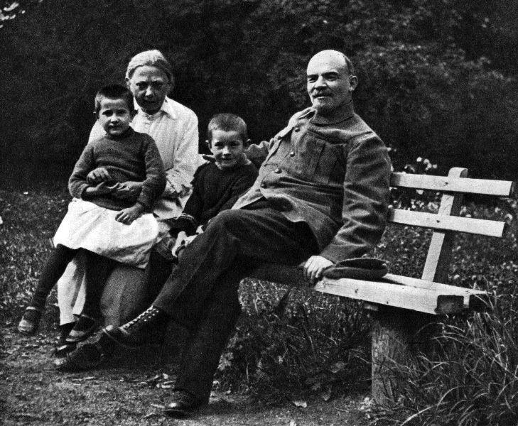 Интимная жизнь Ленина: парижская измена и брак без наследников