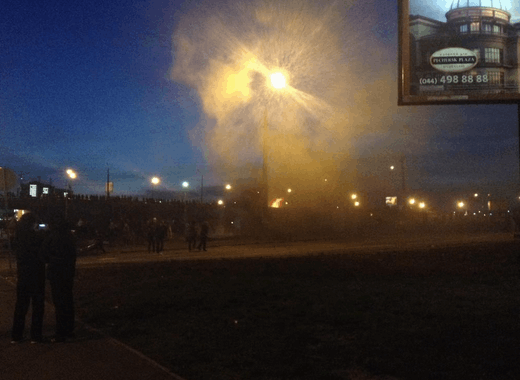 Массовая драка возле застройки в Киеве: горела стройплощадка