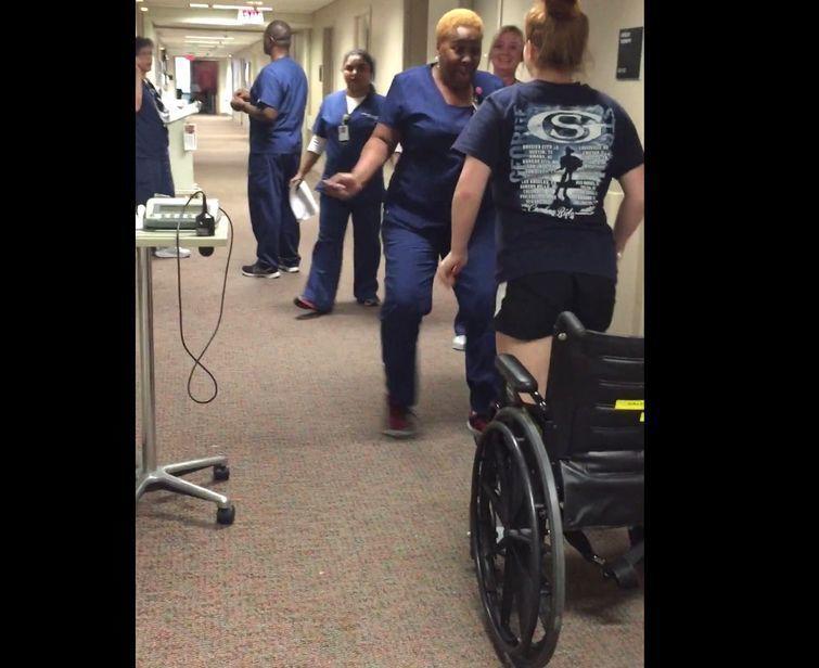 Шок медсестры: девочка-инвалид встала на ноги