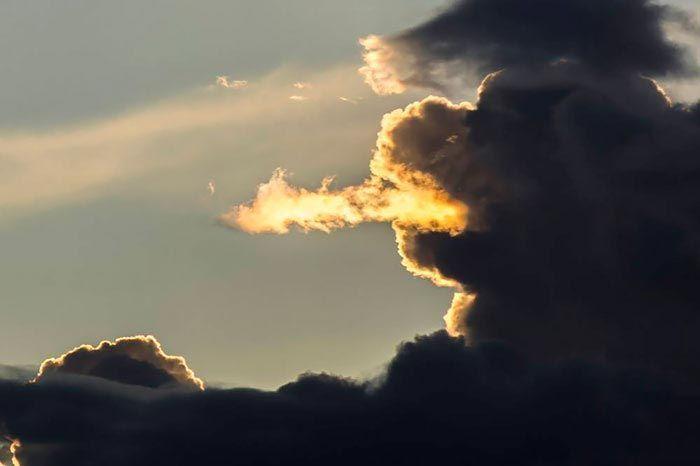 Небесные создания: удивительные облака в невероятных формах