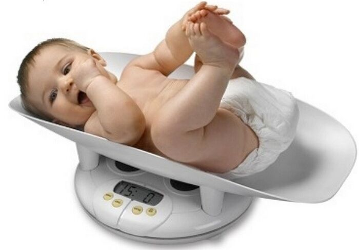 Как взвесит ребенка в домашних условиях 946