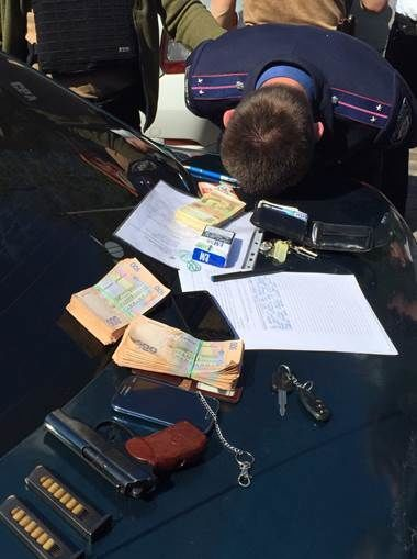 В центре Киева СБУ задержала следователей-взяточников