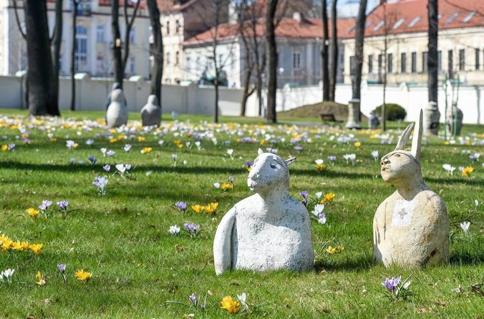 """Грибаускайте """"засекла"""" в президентском парке """"зайца"""" и """"овцу"""""""