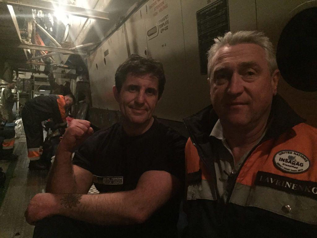 За украинцами в Непале наконец-то вылетел самолет