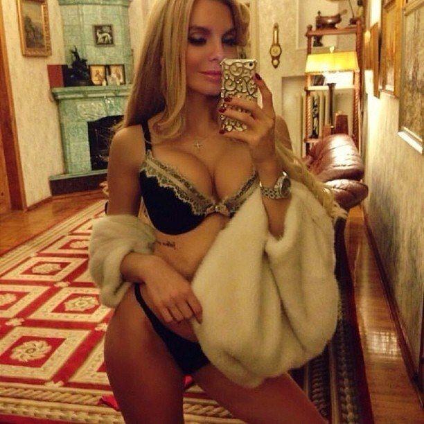 """Скандальна дружина харківського """" мильного короля """" стала зіркою НТВ"""