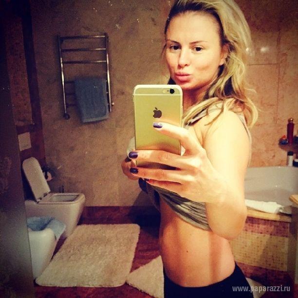 """Анна Семенович показала """"мордаху"""" без макияжа и """"плоский"""" живот"""