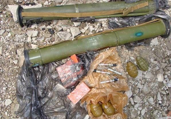 На Луганщині поблизу хімзаводу знайшли схованку з вибухівкою: фотофакт