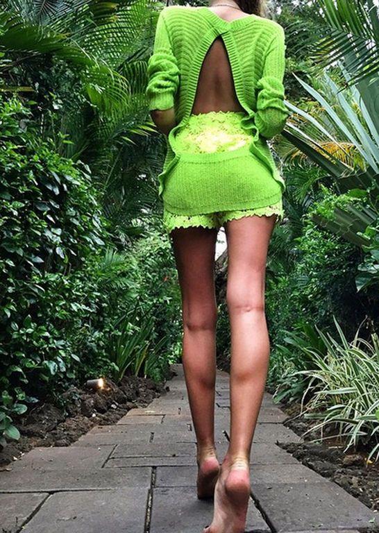 Сын Кернеса нашел себе девушку с потрясающе красивыми ногами