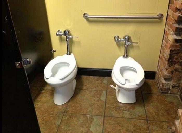 15 самых нелепых и смешных туалетов в мире