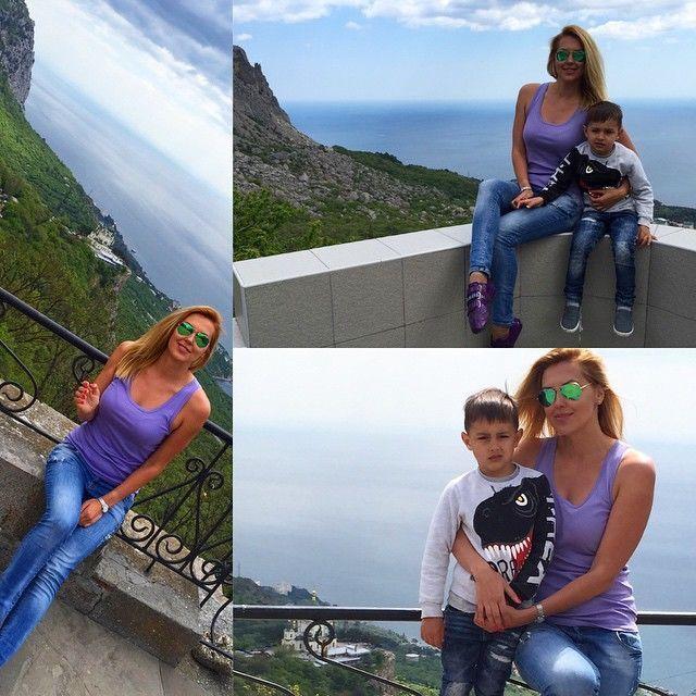 Оккупация не помеха: Яна Клочкова ярко отдыхает в Крыму