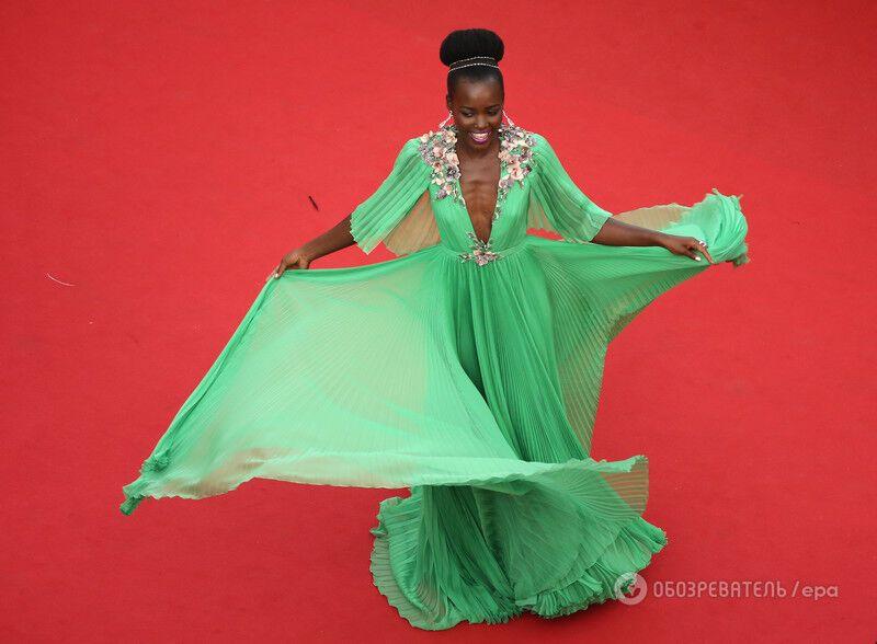 Потрясающая роскошь Канн-2015: лучшие наряды церемонии открытия