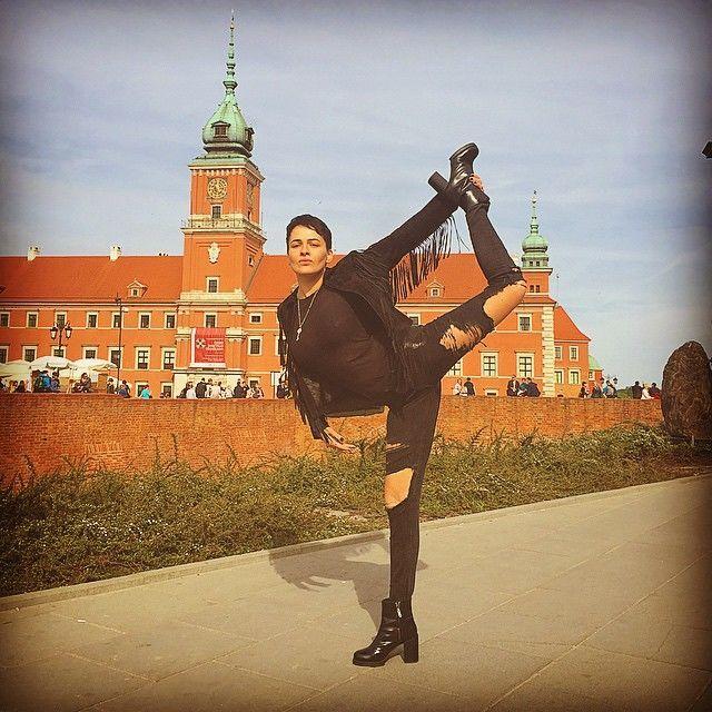 Нечего скрывать: Даша Астафьева интимно раздвинула ноги в Риге