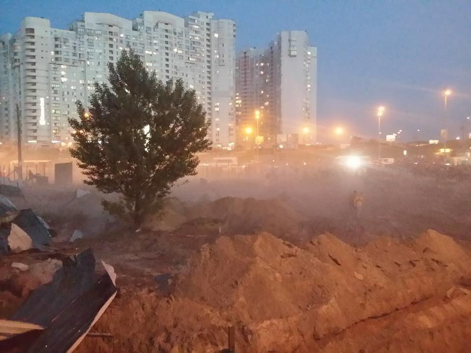 """Конфликт на """"Осокорках"""" в Киеве: хроника событий, фото и видео"""