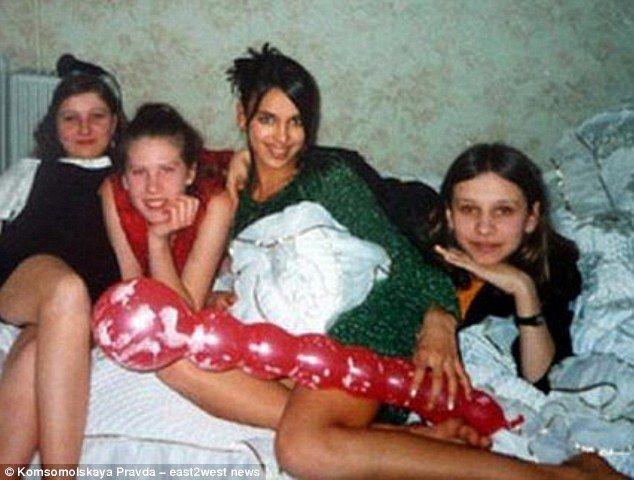 СМИ рассказали о бедном детстве Ирины Шейк и показали ее неизвестные фото