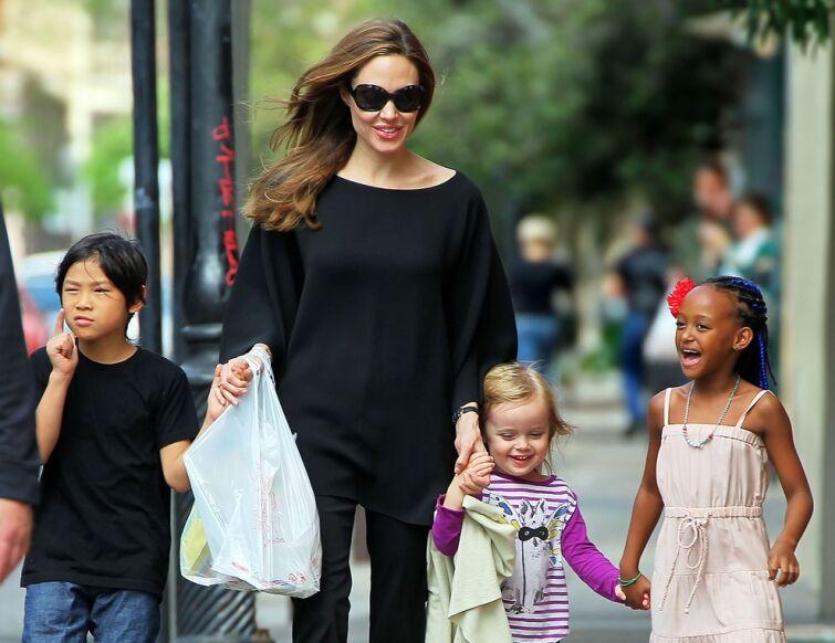 Стали известны 15 интимных тайн Анджелины Джоли