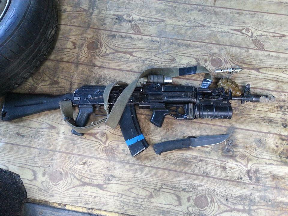 Це не перші диверсанти: журналіст опублікував фото зброї убитих російських спецназівців