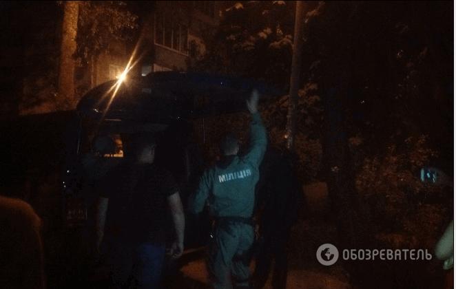 Оцепление, паника и снайперы на крышах. В Киеве мужчина с гранатой взял ребенка в заложники