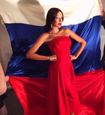 """""""Міс Росію-2015"""", яка """"осквернила"""" триколор, перевіряє прокуратура"""