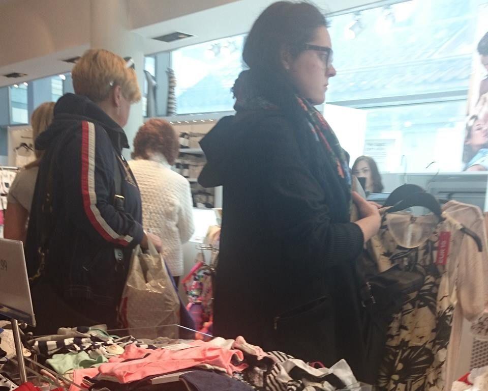 Что покупает глава Нацбанка: Гонтареву засекли на шопинге в Риге
