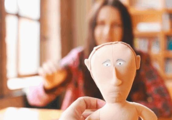Кишеньковий диктатор. У Росії створили крихітну ляльку Путіна