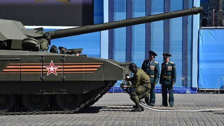 Во время репетиции путинского парада заглох новенький танк