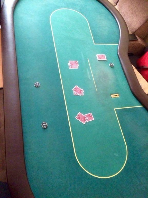 У підпільному казино Слов'янська знайшли фішки на 116 тисяч: фото
