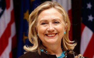 Хиллари Клинтон показала свое смешное детское фото
