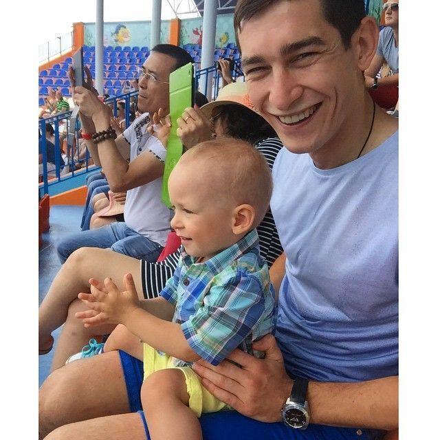 Футболист сборной Украины ярко отдыхает в Крыму: летние фото