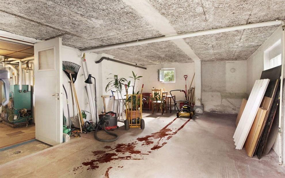 Самые худшие фото по продаже дома: свиньи на полу, кресты и унитазы повсюду