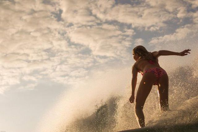 Аппетитные серфингистки соблазняют горячими телами