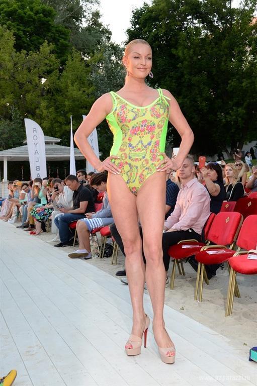 39-летняя Волочкова ужаснула фигурой в безвкусном купальнике