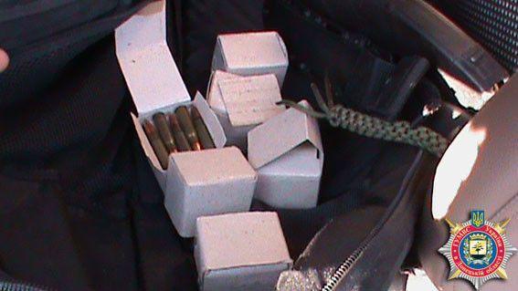 Донеччанин переробив під стрільбу чергами мисливську рушницю: фоторепортаж