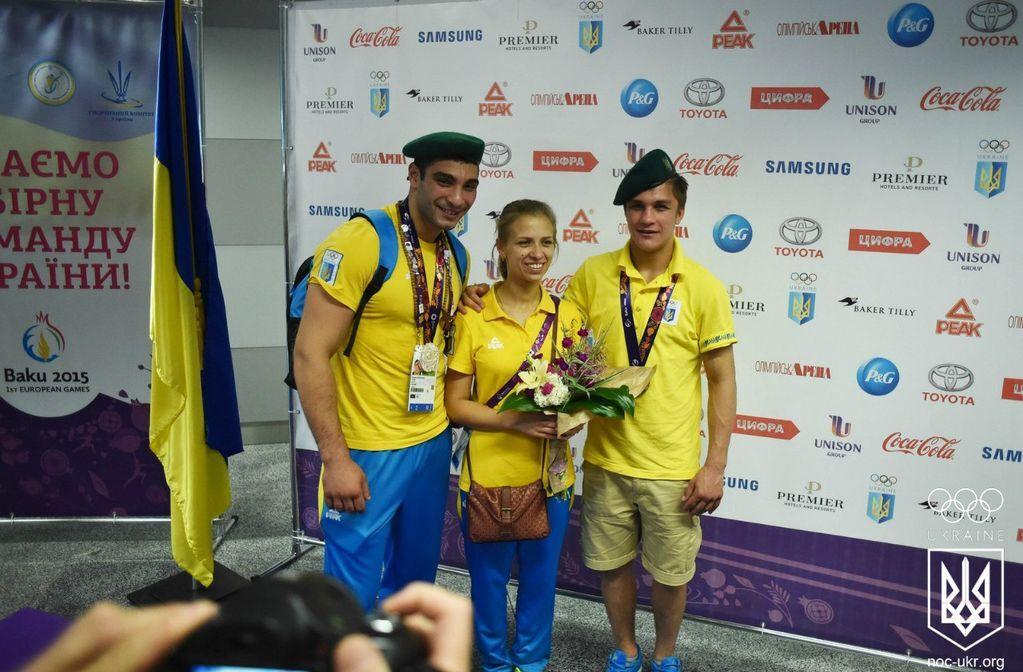Украина встретила героев Европейских игр: фоторепортаж