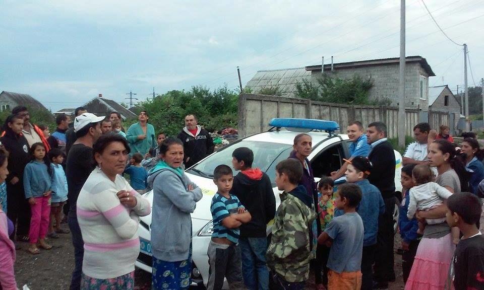 В Ужгороді п'яна лікар швидкої допомоги відмовилася рятувати маленького рома: фотофакт