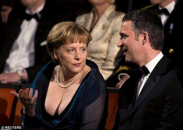 Меркель покорила генсека НАТО своим умением пить алкоголь