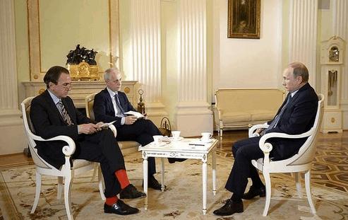 Умора! Итальянец явился к Путину в красных носках