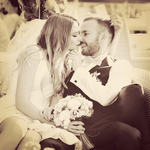 Опубликованы фото с тайной свадьбы сына Таисии Повалий