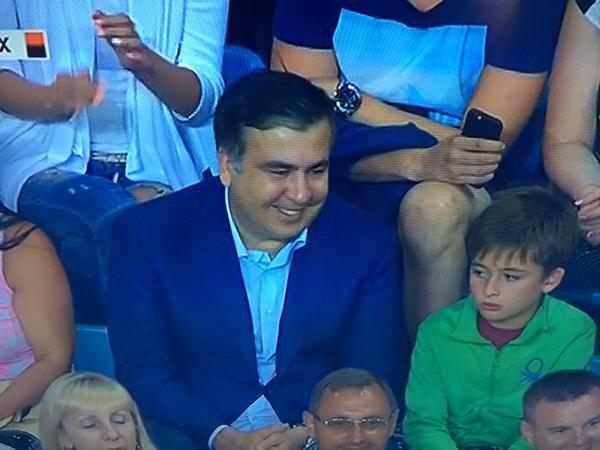 """Саакашвілі відмовився від VIP-сектора на суперматчі """"Динамо"""" - """"Шахтар"""""""