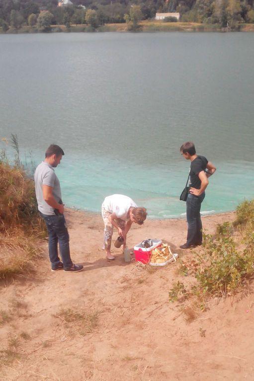 "У Києві ""отруїли"" ще одне озеро: фотофакт"