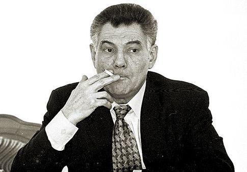 Влада з вогником: хто з українських політиків курить сигарети